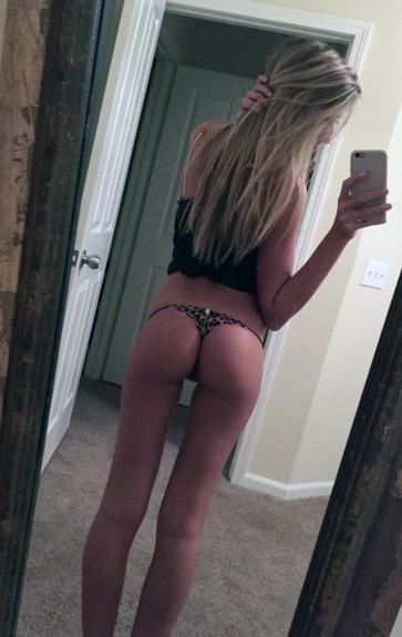 Petite blonde cochonne en snap sexy dès ce soir